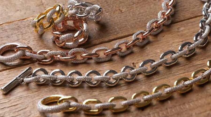 Bracciali e anelli in argento